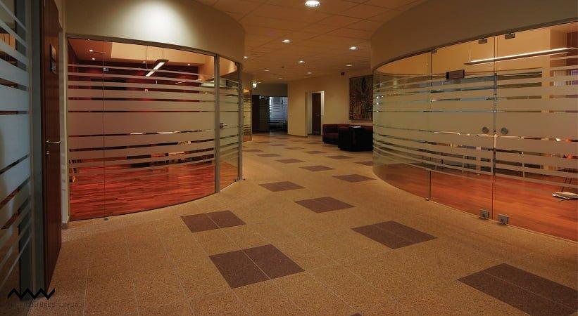 Santaros klinikos tyrimų laboratorijos, kraujo centro ir administracijos patalpų interjerai